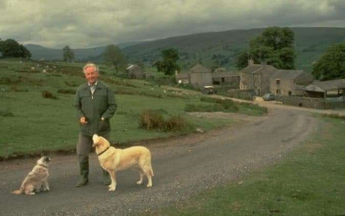 james-herriot-with-his-dogs